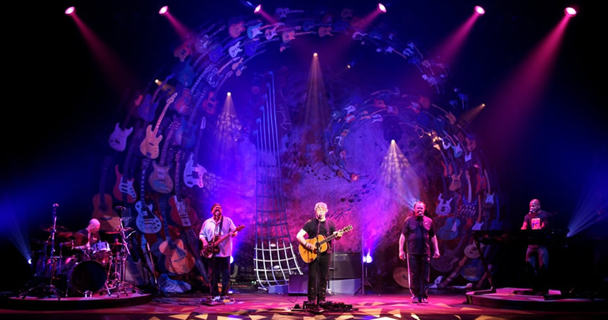 Huge Fabric Backdrop Sets Stage for Steve Miller Band Tour